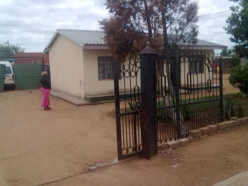Houses for sale property for sale classifieds in gauteng for Very big houses for sale