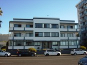 Spacious 2 bedroom apartment unfurnished 2 bedroom apartment in a popular complex in Mouille Point.